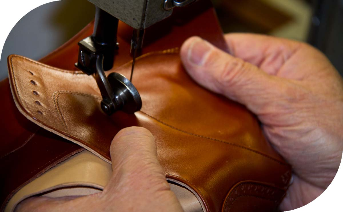 https://specialfootwear.co.uk/wp-content/uploads/2021/10/craftmanship.jpg